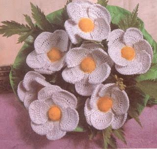 цветы,связанные крючком