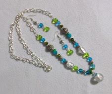 Cod Col 2248 Collar de cristales verdes y turquesa