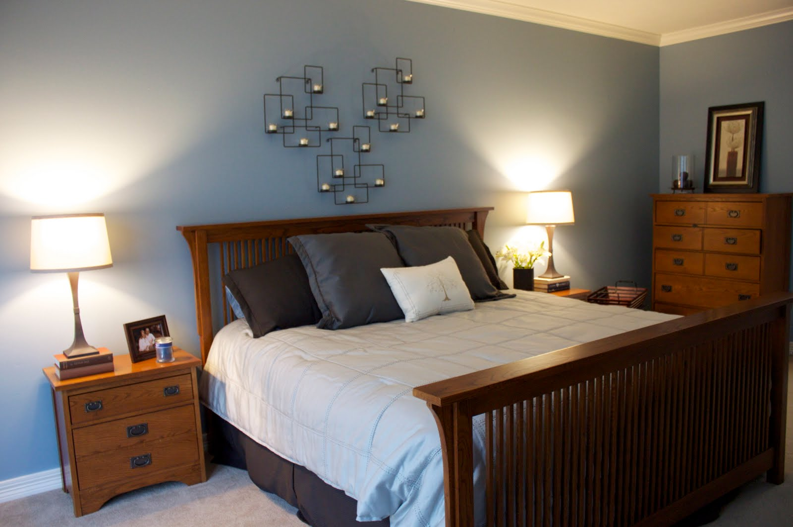 blue master bedroom decorating ideas via