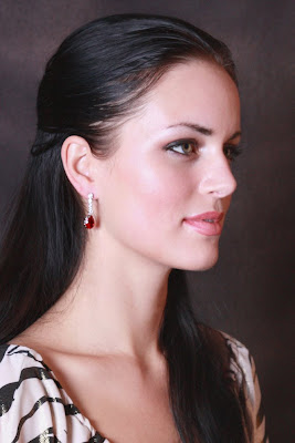 Red earrings pitures-2