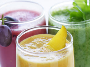 The juice fast diet cleanses the body.