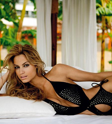Actress hot photos from india ariadne artiles hot bikini for Ariadne artiles comida