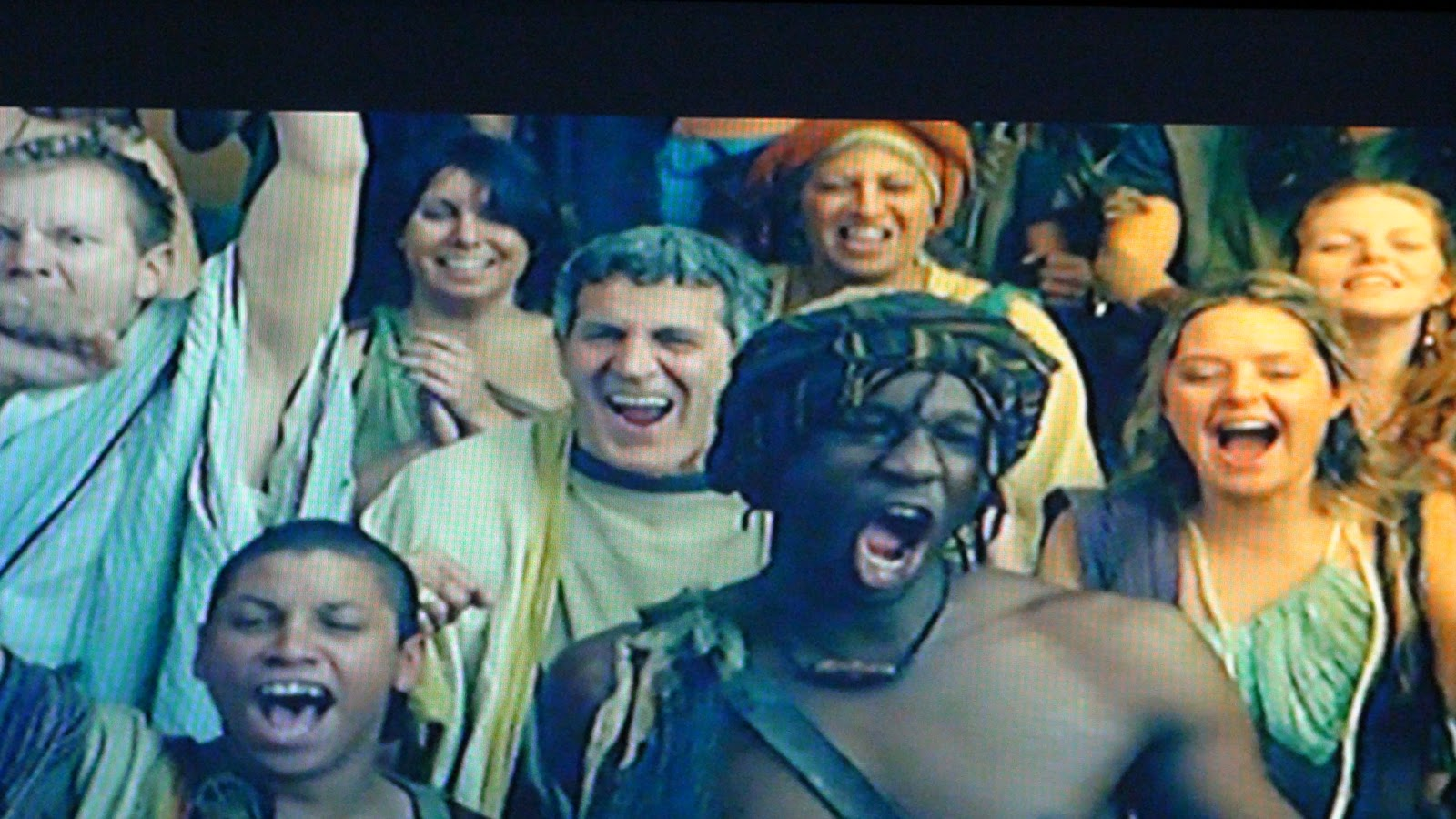http://4.bp.blogspot.com/_ahWcGWlSZBM/TPMVM4gPVzI/AAAAAAAAA4Y/208wvyf9jl8/s1600/Spartacus+Blood+and+Sand+%2528Crowd+in+Ancient+Rome%2529.JPG