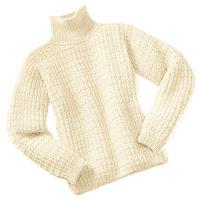 белый вязаный мужской свитер