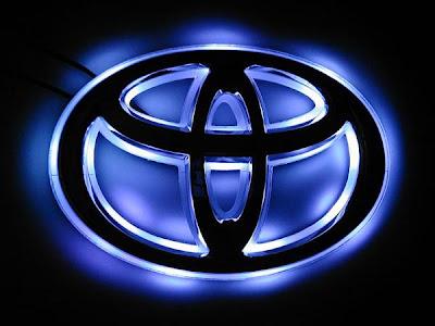 toyota logo black. Illuminated Toyota logo!