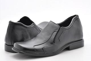 Trend Terbaru Model Sepatu Pria atau Cowok tahun 2011