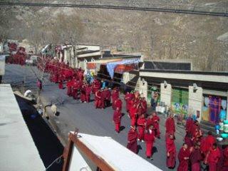 Drepung procession