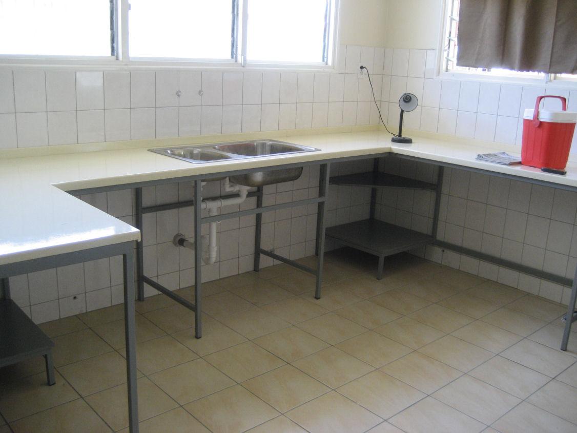 Moderne Keukens Suriname : Wonen in Nederland, Bouwen in Suriname ...