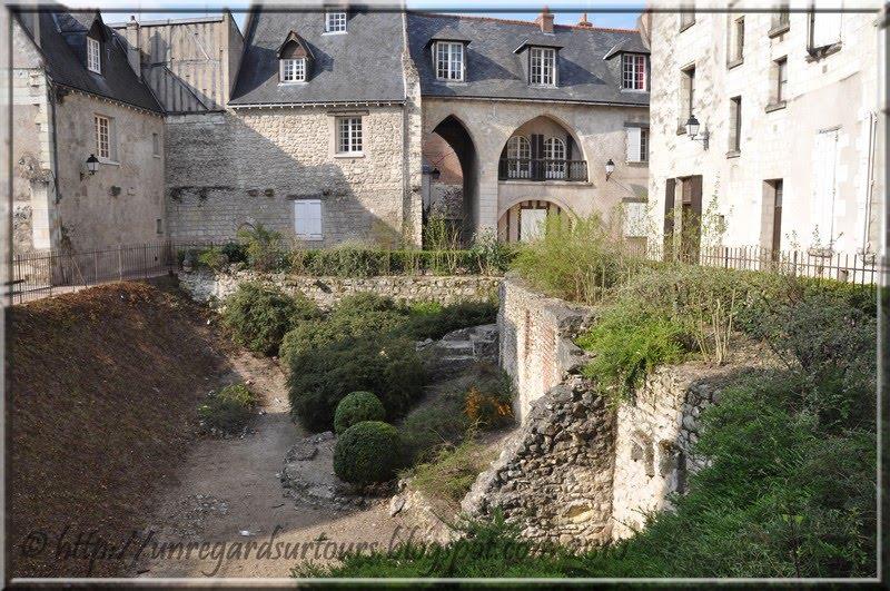 Un regard sur tours clotilde et le jardin saint pierre le - Vive le jardin st lo ...