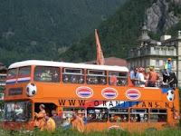Oranje bus.