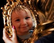 Oglindă oglinjoară, cine e cel mai frumos din țară