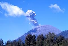 G.SEMERU , Jawa Timur, volcano terhidup ....