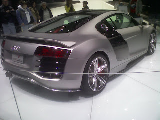 V Ling: Detroit Auto Show Fresh from the FLOOOORRR