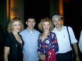 Jonas Bezerra e Moreira com a dupla de cantoras Célia e Celma