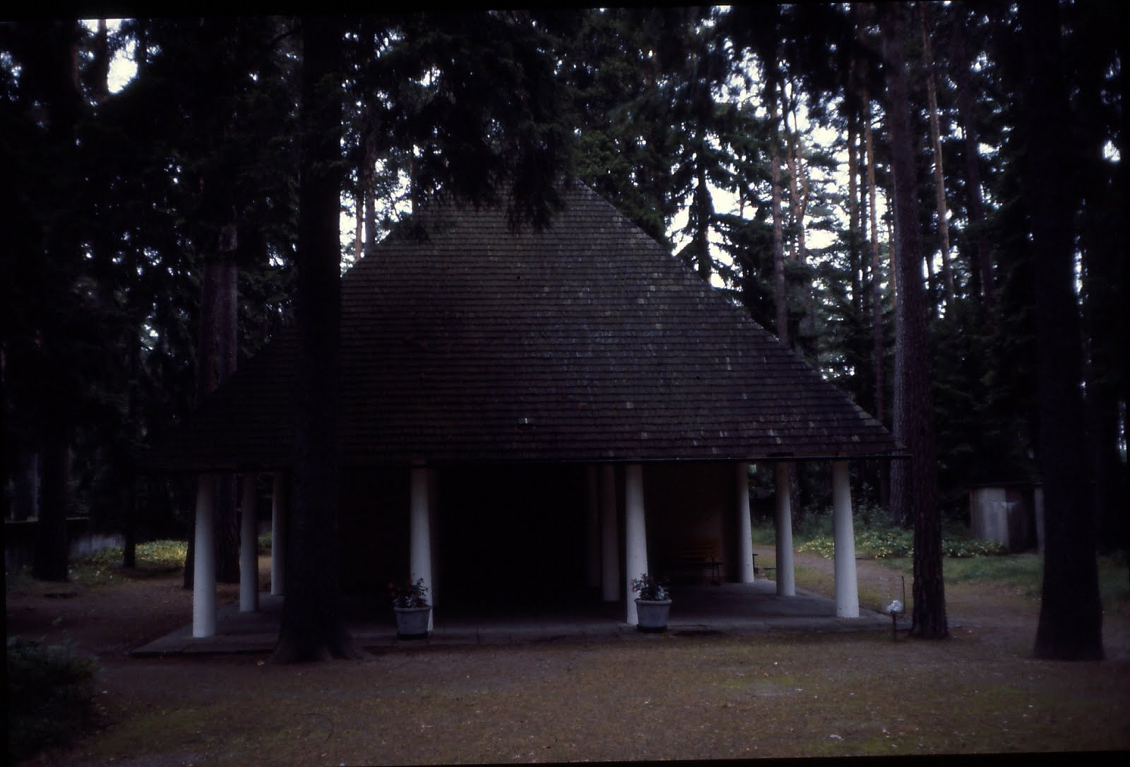[Woodland+Chapel+ext+front]