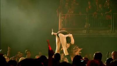 http://4.bp.blogspot.com/_apq542K65Hg/TSY8ON6DxRI/AAAAAAAAAUs/5njdBCOGuFU/s1600/Miley_Cyrus_nungging.jpg