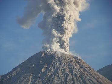 #15 Volcano Wallpaper