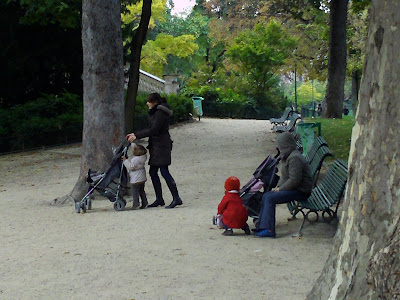 Mothers and children at Monceau Park