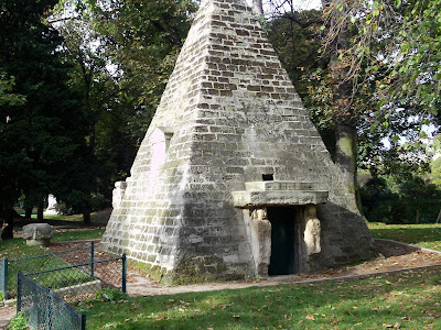Pyramid at Monceau Park