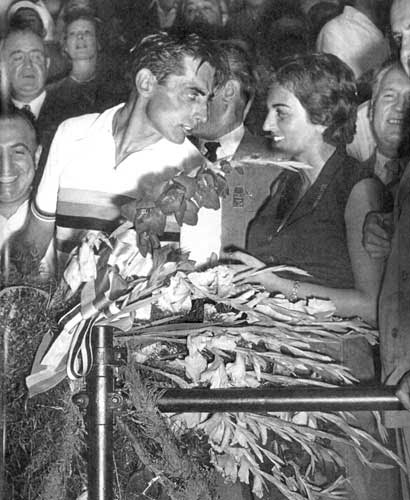 ITALIAN CYCLING JOURNAL: Fausto Coppi and The Lady in White