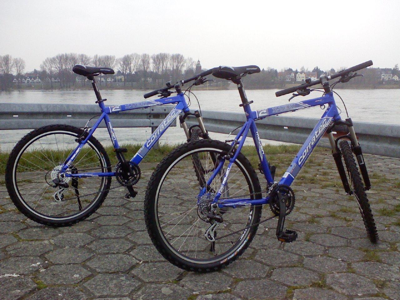 CORRATEC Somo Mayon X-Vert - 2 blaue Mountainbikes - 55cm u. 52cm ...