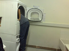 The way to hide from snoring sounds...Kekekeke...(^_^)