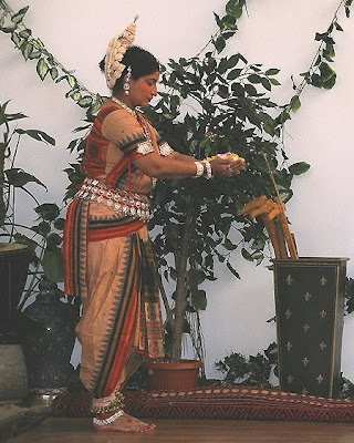 indian dancing girls