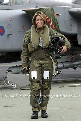 http://4.bp.blogspot.com/_ax5ZIdFoW1U/Ss775H7bwMI/AAAAAAAAat4/oMbR_EsXHnc/s400/beautiful-army-girls-47.jpg
