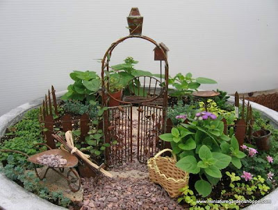 outstanding miniature gardens Seen On coolpicturegallery.blogspot.com