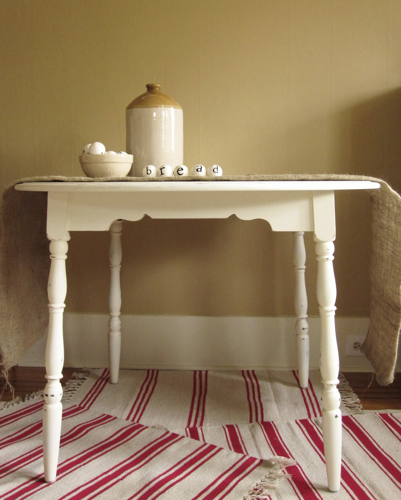Sweet Tree Furniture: Round Cottage Kitchen Table