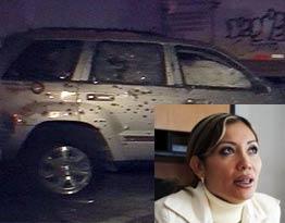 Fotos de la camioneta blindada donde viajaba la Secretaria de Seguridad de Michoacan despues del ataque. Sriamich-nt