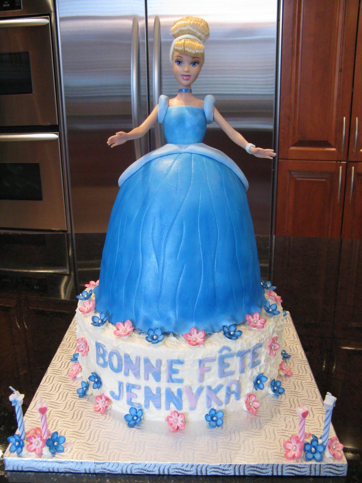 pin design gateau princesse cendrillon 3d cinderella princess cake cake on pinterest. Black Bedroom Furniture Sets. Home Design Ideas