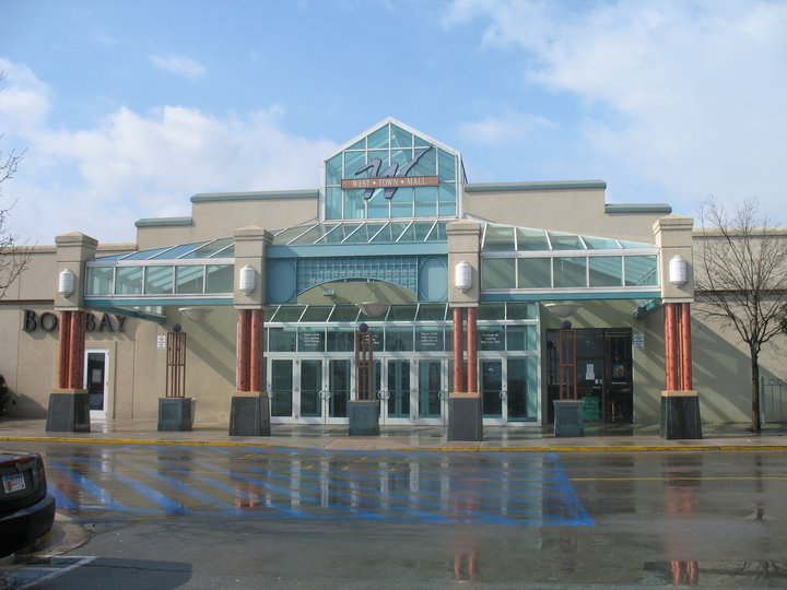 About The west madison Store Your season always starts at DICK'S Sporting Goods in Madison, WI. Stop in for the widest selection of premium sports equipment, Location: WEST TOWNE MALL, MADISON, , WI.