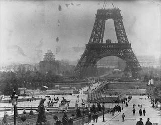 Pembangunan Menara Eiffel.alamindah121.blogspot.com