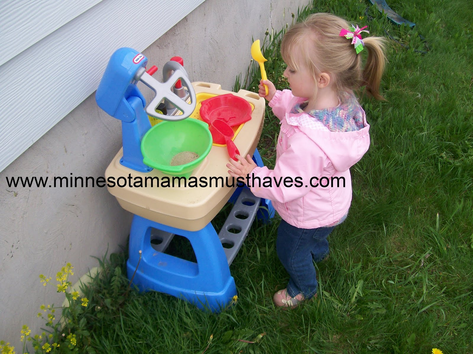 Little Tikes! Makinu0027 Mud Pies Review And Cozy Coupe Giveaway!!