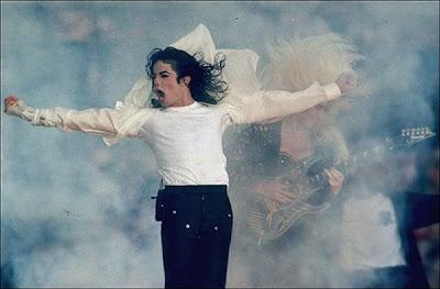 Michael Jackson muerto @ Zombie con Wayfarers