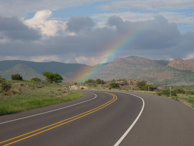 http://4.bp.blogspot.com/_b4GvNl91UfU/TDl8C0qt7hI/AAAAAAAABKo/l56r7Q8ofyE/s1600/Back+in+Texas,+San+Antonio,+USA+036.JPG
