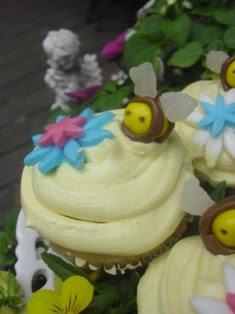 Bee Happy Cupcakes