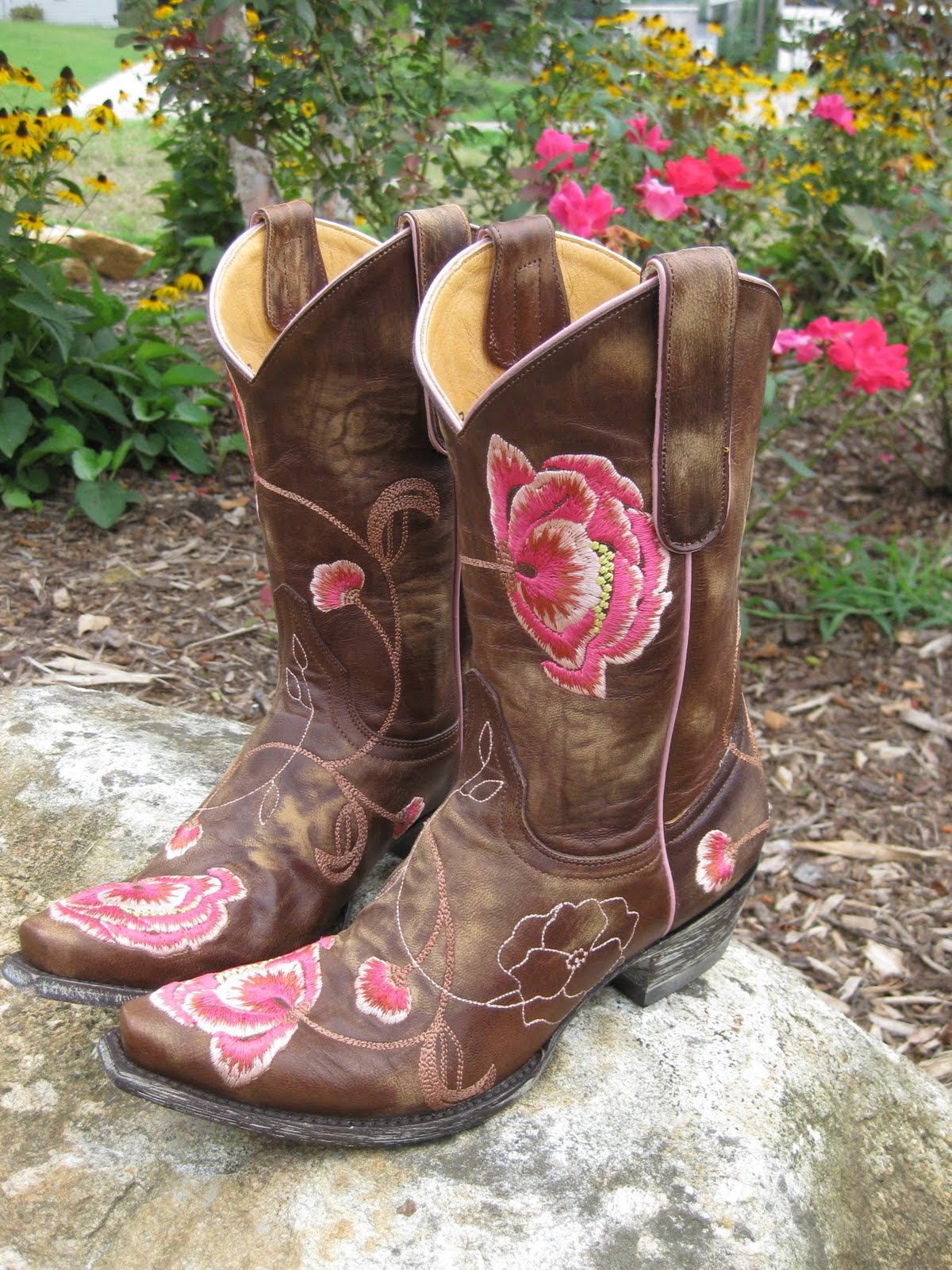 Cute Country Boots Backgrounds