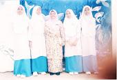 Bersama cikgu Faizah yang sedang menjalankan Praktikum di sekolah saya.