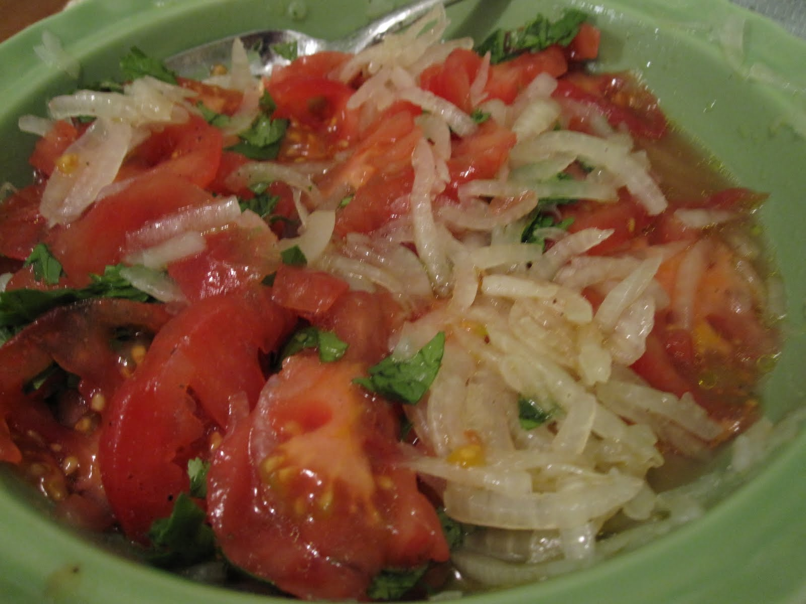Elizabeth's Dutch Oven: Chilean Tomato and Onion Salad