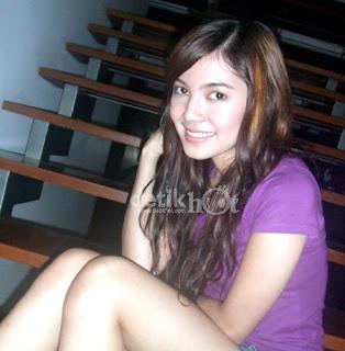 Foto Bugil Gadis Melayu Sedang Pamer Toge Pic 7 of 35
