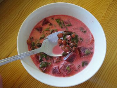 Zupa botwinkowa z soczewicą