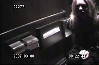 Lindsay Lohan Caught on Tape snorting Cocaine