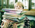 afbeelding van kind met boeken, overgenomen van website Crown van Gelder