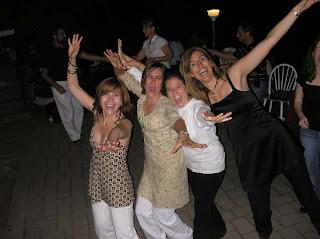 Fiesta, las chicas coparon la pista de baile!