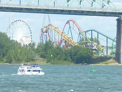 Vista del parque debajo del puente J.Cartier