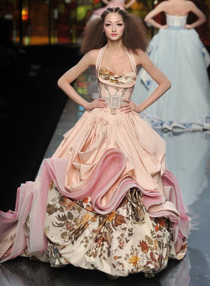 Wedding Dresses By Dior John Galliano Are Just As Couture And Stunning They Come Arent For This Weeks Wednesday It About The