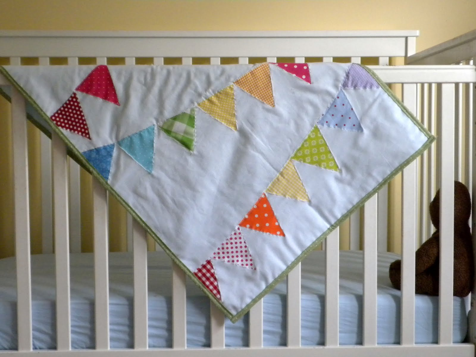 Pretty cool life rainbow bunting baby quilt tutorial