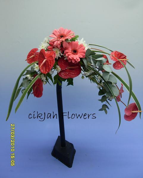 Cikjahonlineflowers fresh flowers bridal bouquets for Crescent bouquet